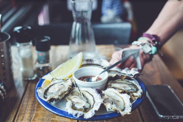 California reports 100 ill in outbreak traced to raw oysters